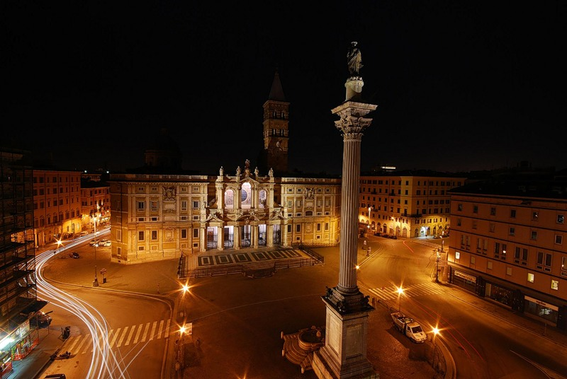 Santa Maria Maggiore Basilica - Night view of basilica
