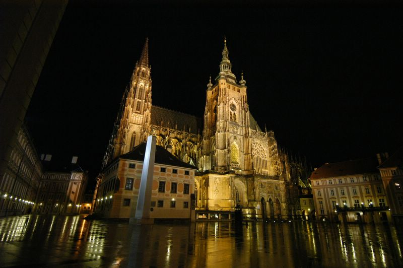 St. Vitus Cathedral - Night view of St. Vitus Cathedral