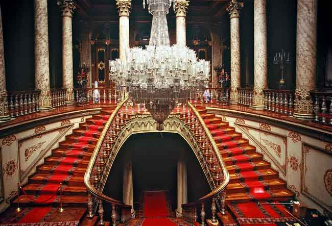 Dolmabahce Palace - The best places to visit in Istanbul, Turkey