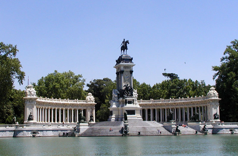 Parque del buen retiro the best places to visit in for Parque del retiro madrid
