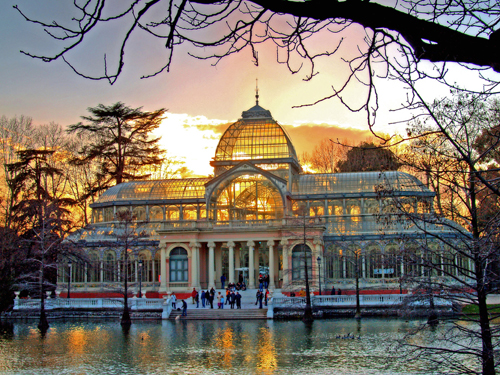 Parque del Buen Retiro - Beautiful sunset over Parque del Buen Retiro