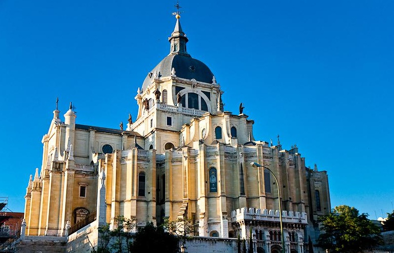 Images Almudena Cathedral Great Architecture 6854