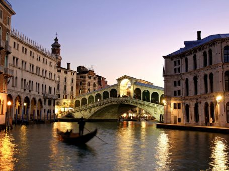 Italy  - Rialto Bridge Grand Canal in Venice