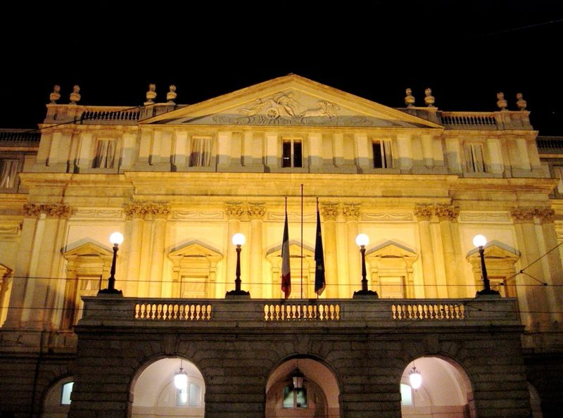 Theatre museum at la scala the best places to visit in for Best places to see in milan