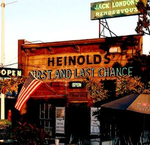 Heinolds´ First and the Last Chance Bar
