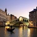 Image Rialto Bridge - The best places to visit in Venice, Italy
